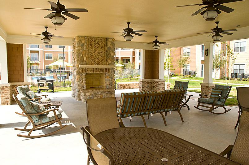 Lounge at Listing #242283