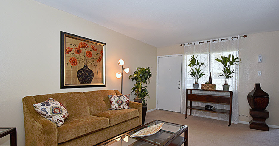 Living at Listing #139208