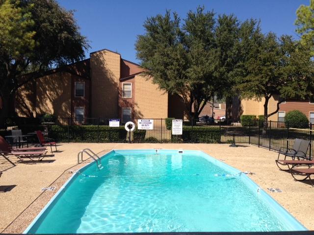 Pool at Listing #137949