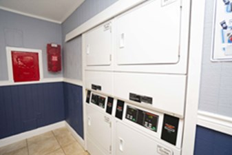 Laundry at Listing #139546