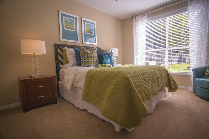 Bedroom at Listing #140110