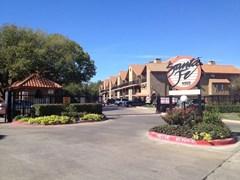 Santa Fe Apartments Dallas TX