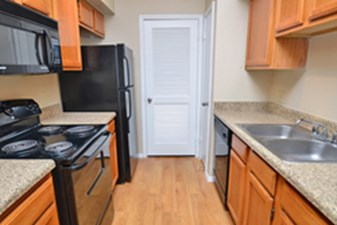 Kitchen at Listing #138619