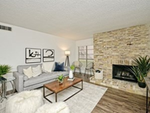 Living at Listing #140594