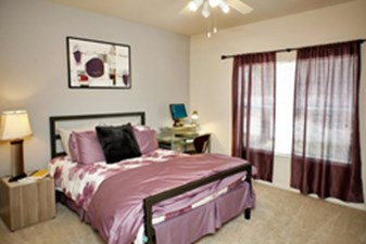 Bedroom at Listing #140773