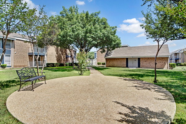 Courtyard at Listing #136051