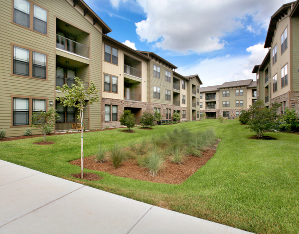 Queenston Manor Apartments Houston, TX