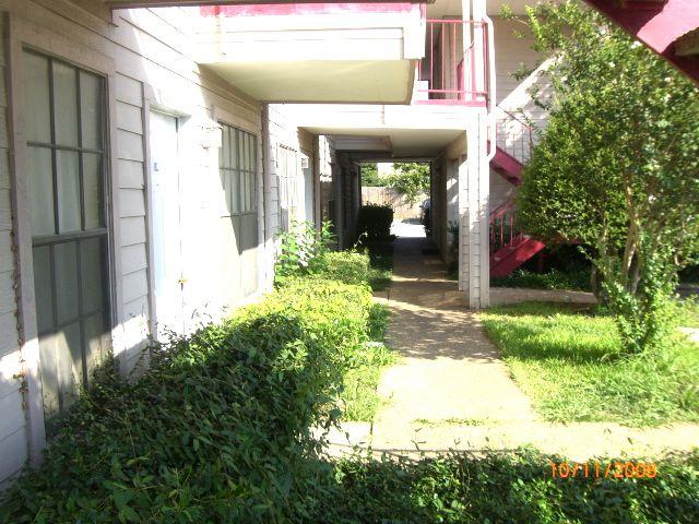 Oak Hollow I ApartmentsDallasTX