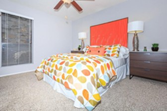 Bedroom at Listing #141073
