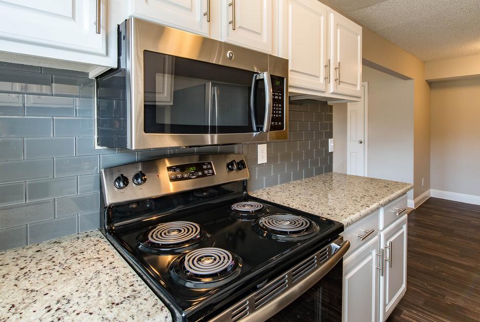 Kitchen at Listing #137295