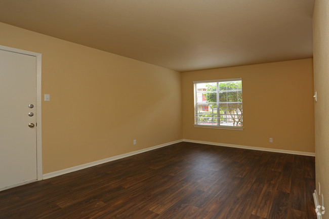 Living at Listing #141015