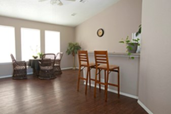 Lounge at Listing #212018