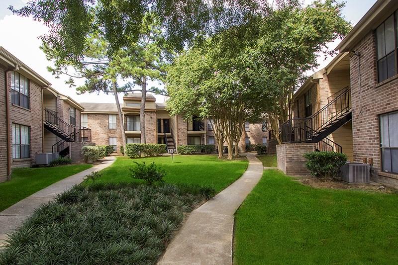 Mira Bella Apartments Houston, TX