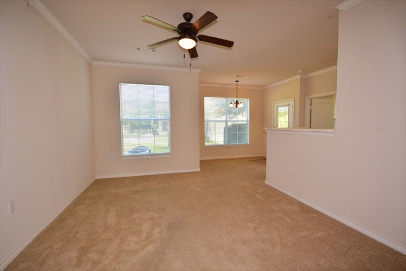 Living at Listing #147090