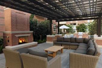 Lounge at Listing #152837