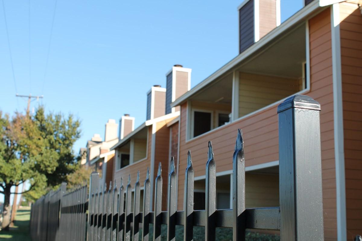Wimbledon Court Apartments