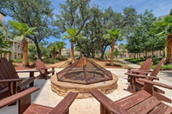 Fire Pit at Listing #247403