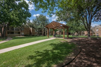 Courtyard at Listing #136854
