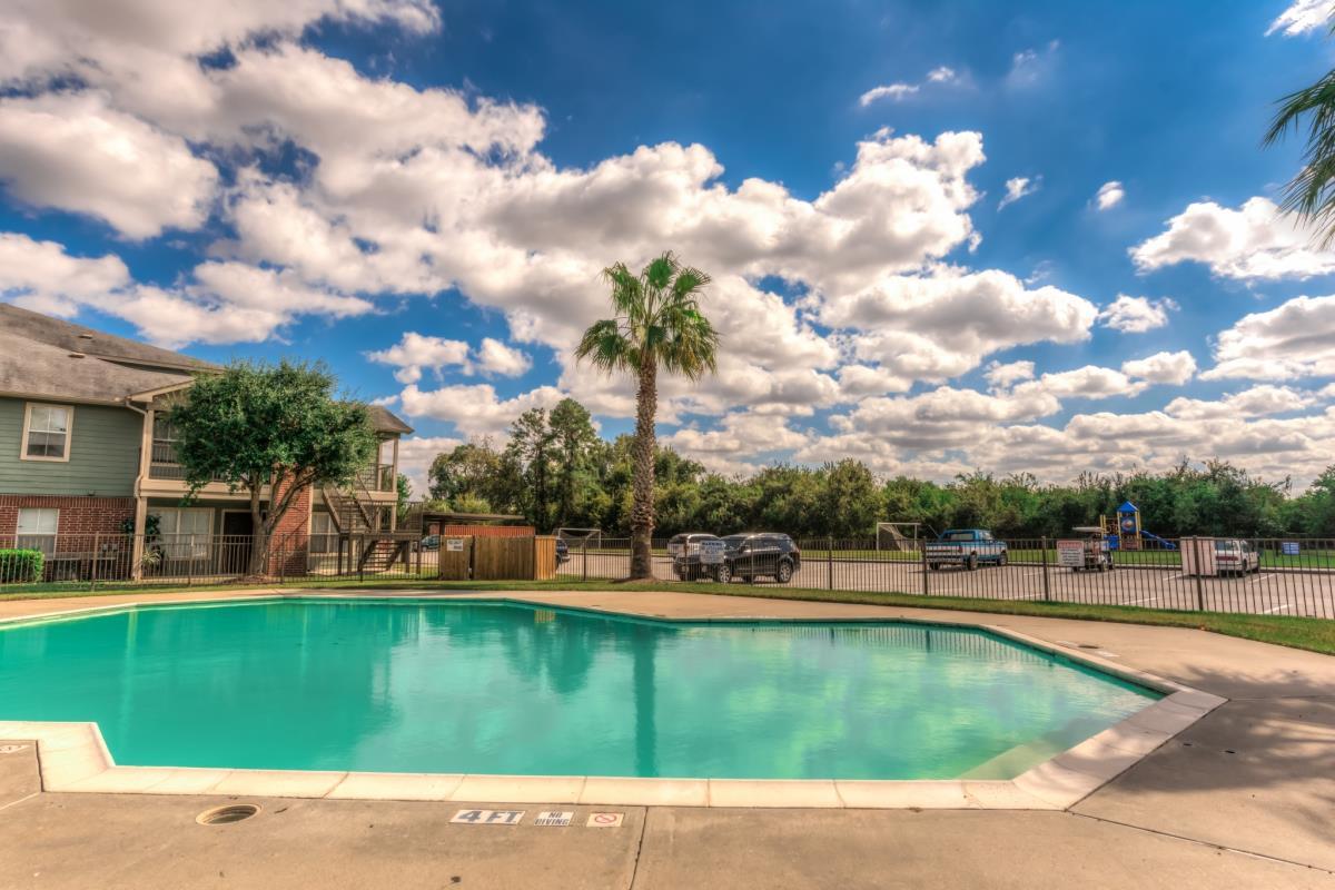 Pool at Listing #140017