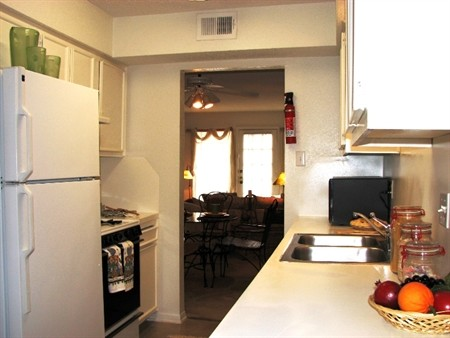 Kitchen at Listing #139526