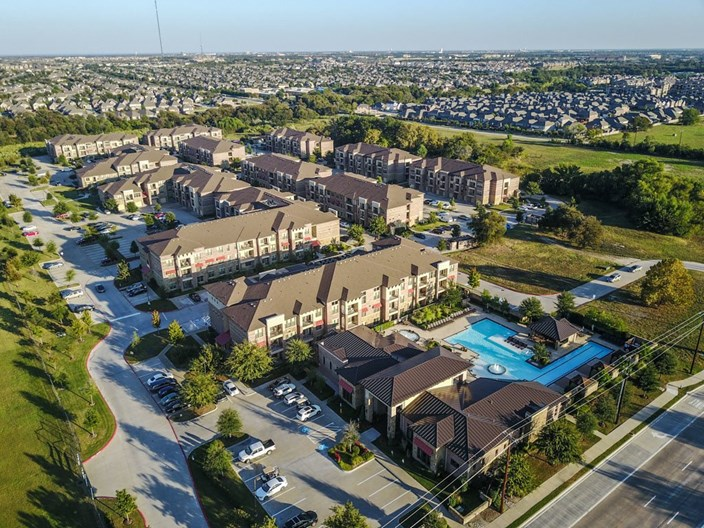 Discovery at Rowlett Creek Apartments
