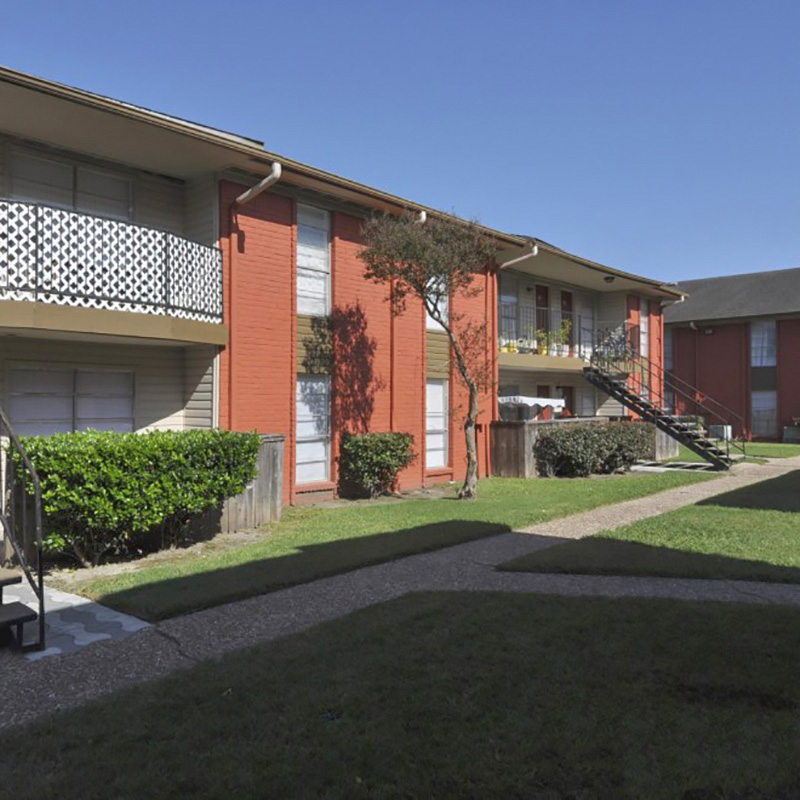 Emerald Pointe Apartments , TX