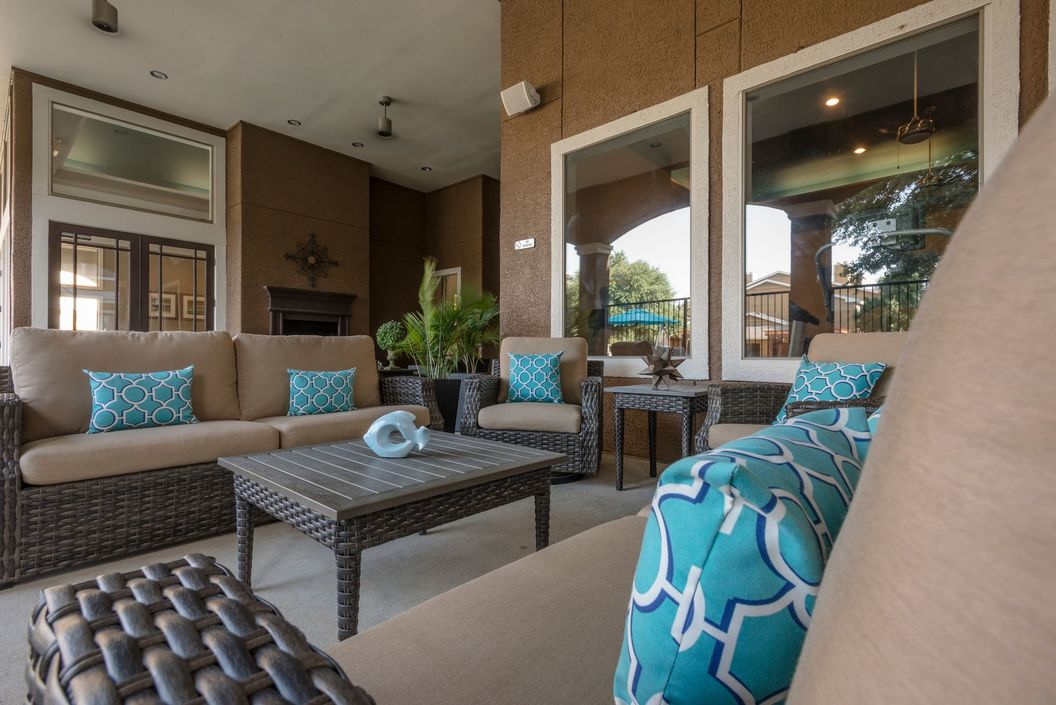 Lounge at Listing #138024