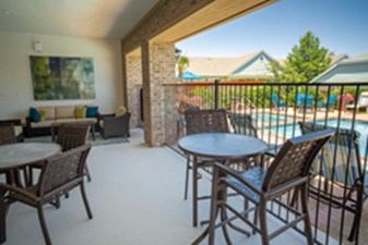 Lounge at Listing #146673