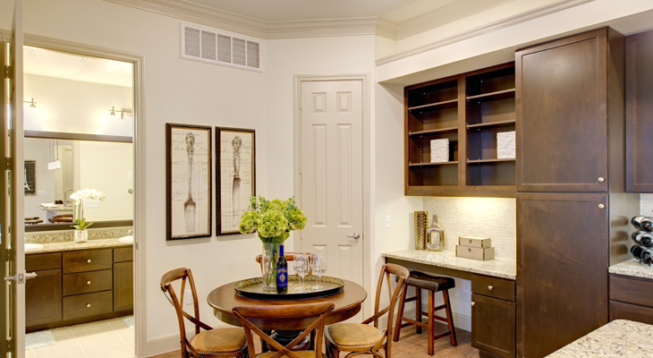 Dining at Listing #225975