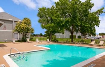 Pool at Listing #136294