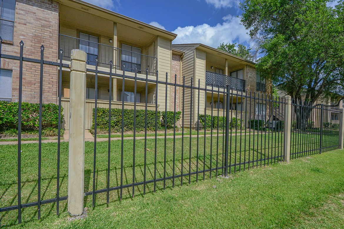 Bear Creek Crossing Apartments Houston TX