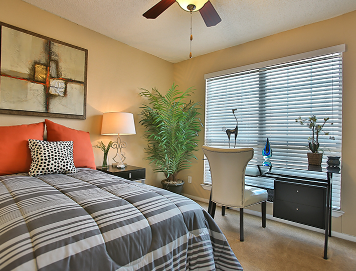 Bedroom at Listing #140973