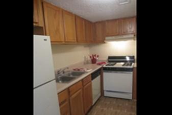 Kitchen at Listing #138000