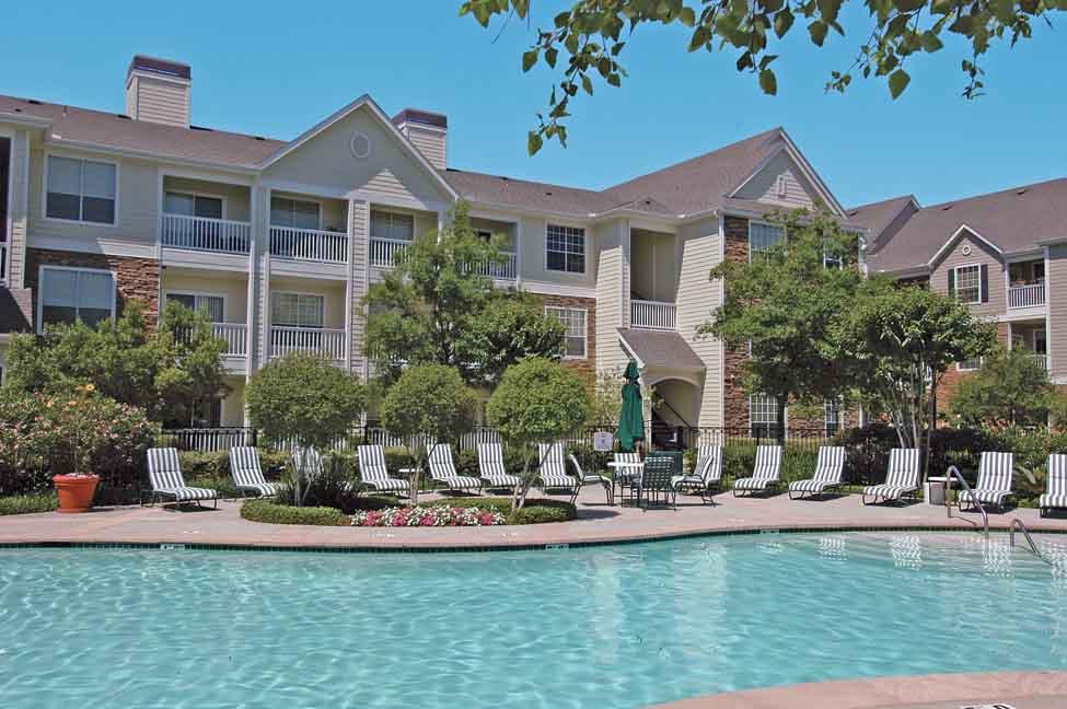 Pool at Listing #138281