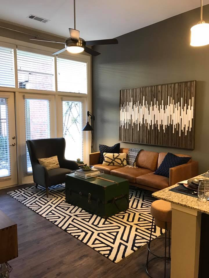 Living at Listing #282567