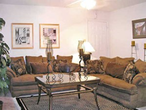 Living Room at Listing #139201