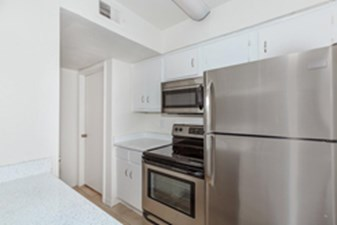 Kitchen at Listing #138808