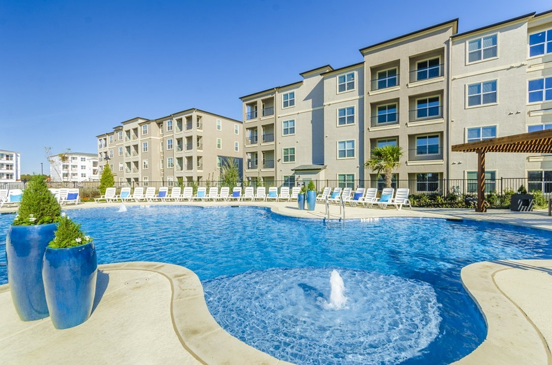 Luxe 3Eighty Apartments Little Elm, TX