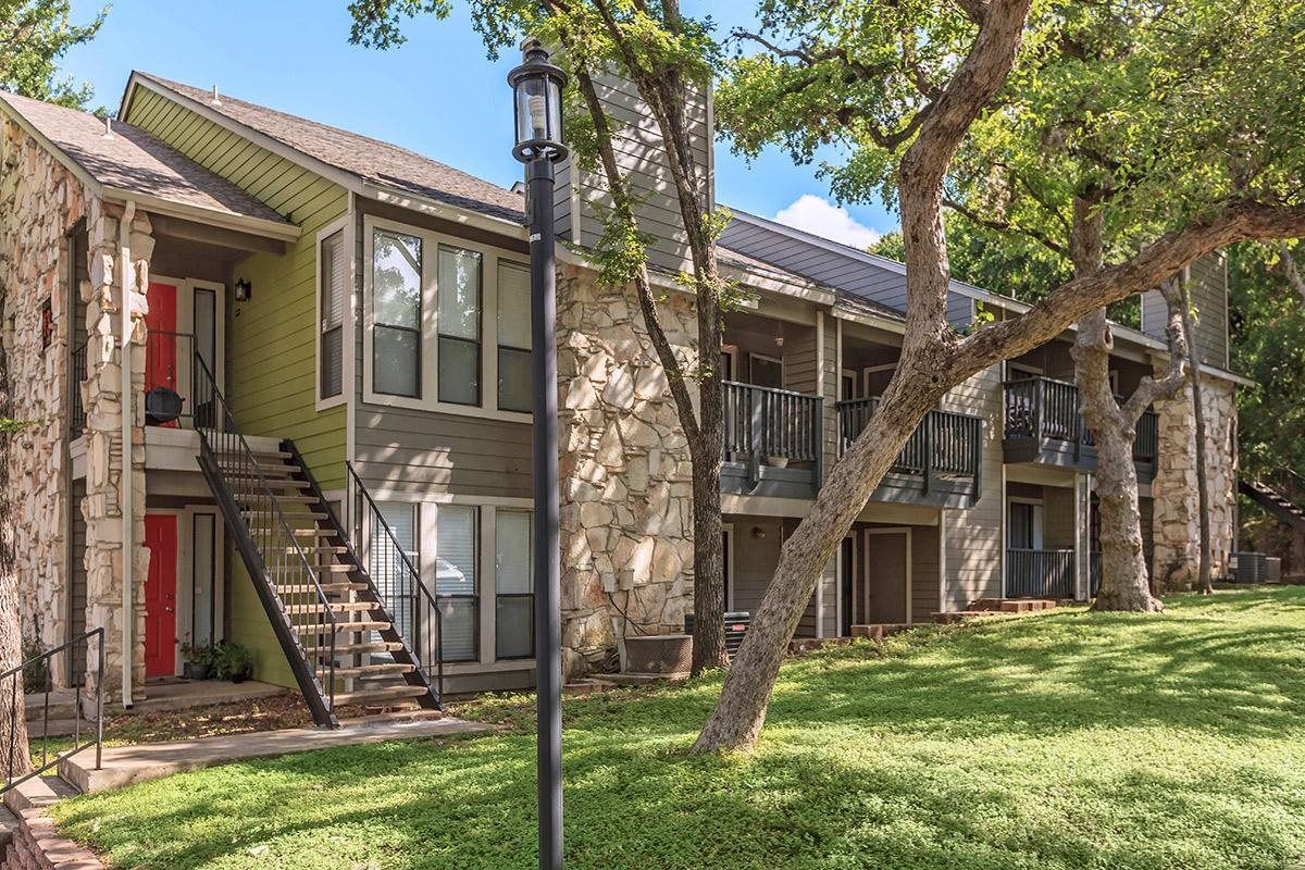 Salado Crossing Apartments San Antonio TX