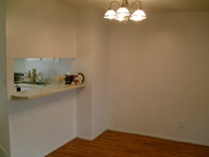 Dining at Listing #151725