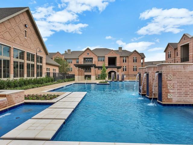 Lincoln Kessler Park Apartments Dallas TX