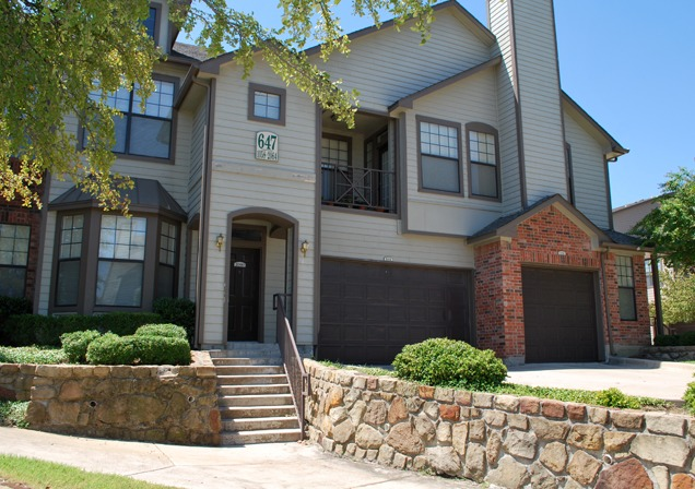 Exterior at Listing #137886
