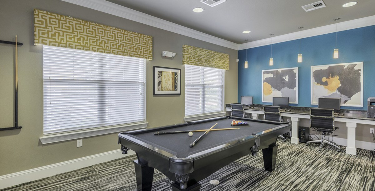 Gameroom at Listing #235636