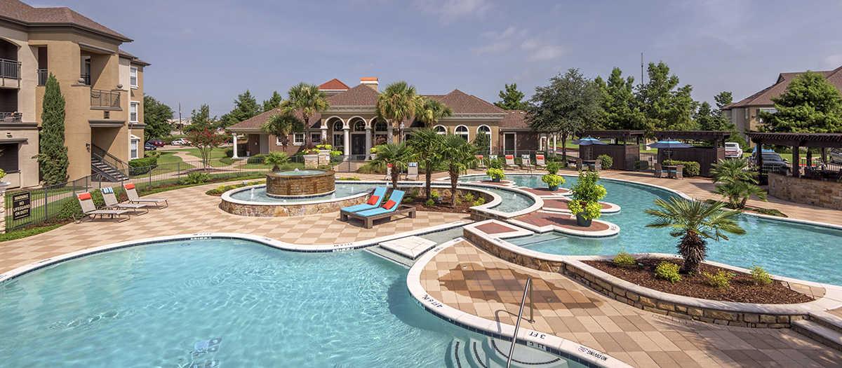 Pool at Listing #138097