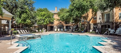 Colonial Village at Quarry Oaks Apartments Austin TX