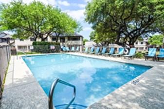 Pool at Listing #140561