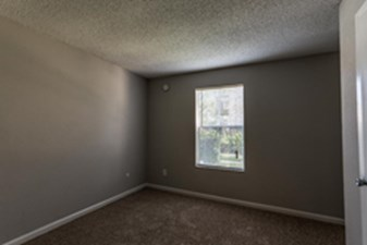 Bedroom at Listing #138345