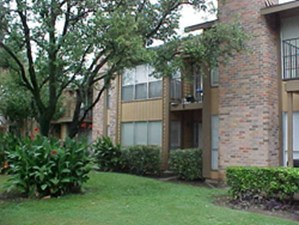 Exterior 1 at Listing #135761