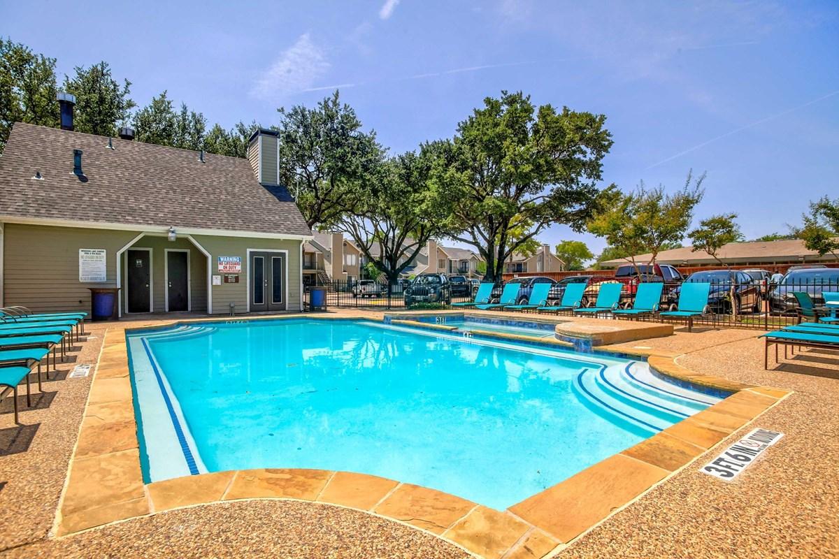 Pool at Listing #279305