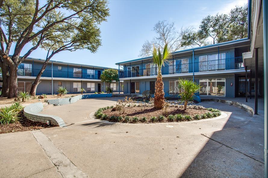 Marquee Apartments Dallas TX